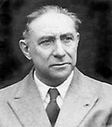 Robert Ficheux (12 august 1898 – 1 august 2005), francezul căruia România îi datorează granițele de după primul  război mondial și ale cărui lucrări  dau și azi dureri de cap extremiștilor unguri — de la CER SI PAMANTROMANESC